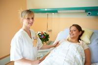Die Arbeit in der Pflege erfordert die ganze körperliche und mentale Aufmerksamkeit.